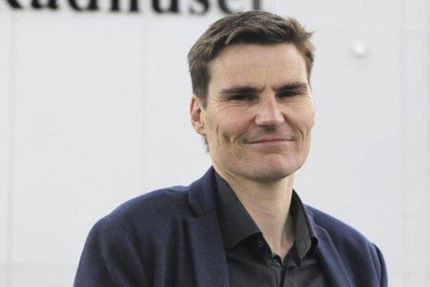 Rådmann Jarle Landås foreslår at ein set av 50.000 kroner til nynorskdagar i 2017.