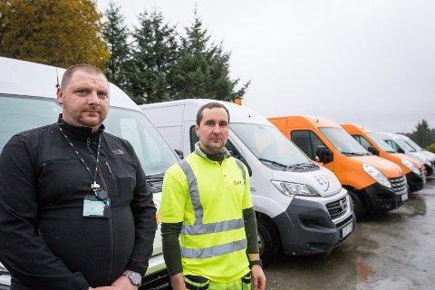 Vytautas Mazieika og Sergej Kovalec er berre to av rundt 60 montørar som har vore i sving gjennom åra for å få på plass fiber-breiband til innbyggarane i Austrheim og på Radøy.