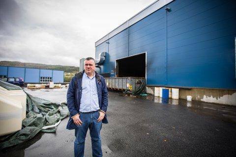 Då dagleg leiar Jan-Ove Hovdenak fekk tilgang til bygget som brann på Storsandvik industriområde, vart det klart at skadane var svært omfattande. Alt av stort maskineri er så skadd at det må erstattast med nytt. I tillegg må sjølve bygget rivast til berre skjelettet står att.