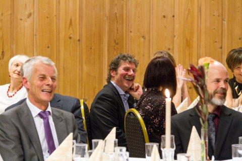 Det var god stemning under 30-årsjubileet til Strilatun laurdag. Her Reidar Konglevoll og Ivar Hopland i godt humør.