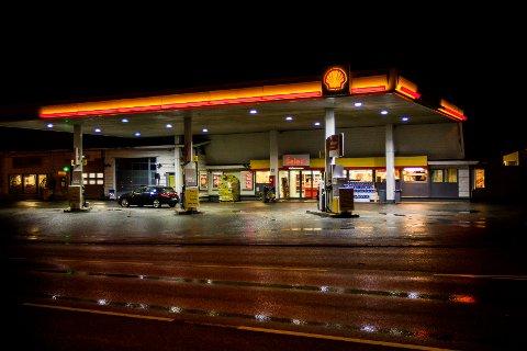 Situasjonen er uavklart for Shellstasjonen i Knarvik.