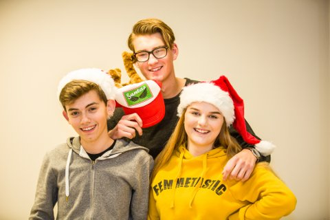 Peter, Oliander og Amalie i Nh Ung ønsker lykke til med dagens quiz-spørsmål!