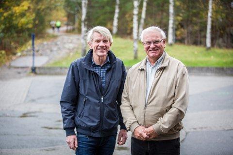 ETTERSPURD: Det er mange som har etterspurd bygdebok for Alversund, seier Kåre Jordal (t.v.) og Inge A. Alver, to av dei som no er i gang med arbeidet.