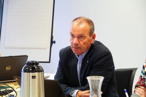 – Me forstår at det kan vera vanskeleg for Nils Marton Aadland(H) å gå mot sin eigen statsminister, men det gir ikkje representanten rett til å gå til angrep på dei fylkestingsrepresentantane som vågar å prioritera, skriv fylkestingrepresentantane frå Krf, AP og SP.