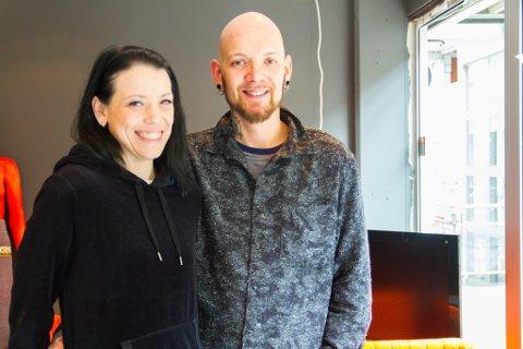 Då Tommy Råen fekk leverkreft måtte han legge studio-draumen på hylla. No er han frisk, og startar saman med kona Karoline Råen opp studioet «Buzzy Bee» i Knarvik Senter.