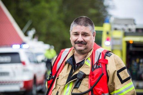 – Dei har gjort alt riktig. Om dei ikkje hadde klart å stenga brannen inne hadde vi hatt eit heilt anna scenario, seier vakthavande befal i Lindås og Meland brann og redning, Ståle Hauge.