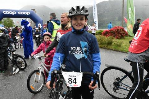 Øystein Talke kryssa mållina til siger i dagens første ritt før Tour des Fjords-etappe nummer to starta i Brekke.