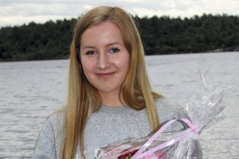 Prisvinnar: Evie Kalnes Dencker (16) har fått Cato Plettens minnefond i 2017. Ho satsar sterkt på friidrettsbana og har mellom anna oppnådd veldig gode prestasjonar på løpsdistansar. Begge Foto: Katarina Birkeland