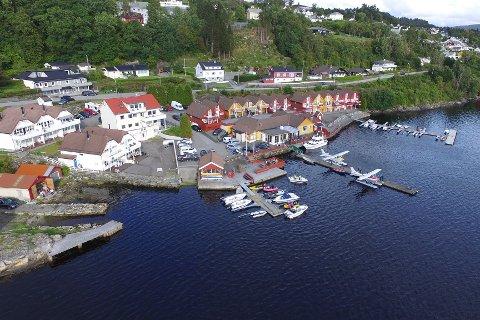 Planen er at Lindås Brygge skal opne att i april i år.