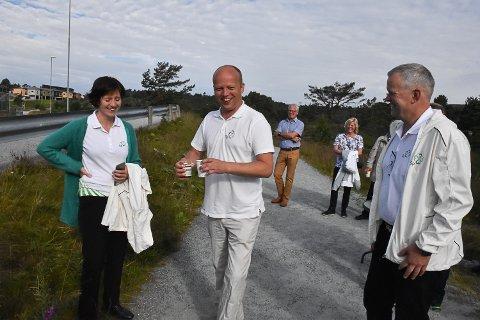 Senterpartiet på valkampturne i knarvik. Førstekandidat Kjersti Toppe, Trygve Slagsvold Vedum, andrekandidat Nils T. Bjørke.