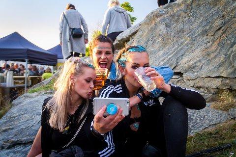 Julie Moe, Kristin Mannsverk og Guro Van der kooij.