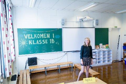 No innfører regjeringa maksgrense for elevar i klasseromma i barneskulen. Bilde er frå lærar Ingvild Berg Corneliussen sin første dag som klasseforstandar ved Sagstad skule i august.