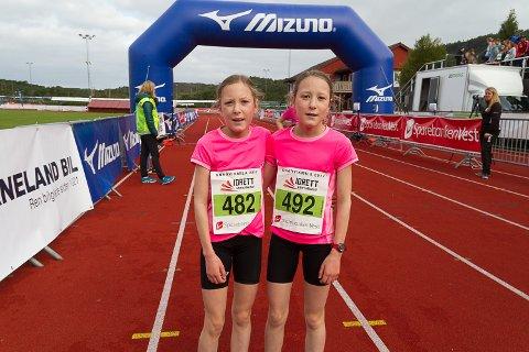 Knarvikmila 2017 ungdomsløp Knarvik stadion. f.v.: Anna Hanstveit og Emma Hanstveit.