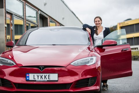 LYKKE: – Eg sat klar og innlogga 15 minutt før moglegheita til å få registrert søknad om personleg bilskilt vart opna, fortel Elise Gundersen