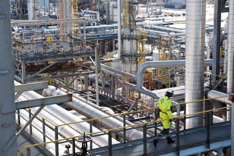 I juli oppstod ein lekkasje ved Statoil sitt anlegg på Mongstad. Ein granskingsrapport slår no fast at hendinga kunne ha enda i tragedie.