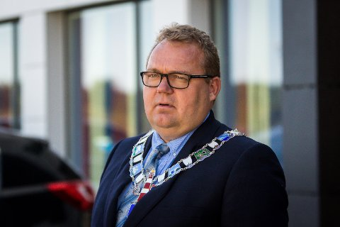 Ordførar Stian Herøy (H) seier det har vore utfordrande for fleire på Fedje når ferja ikkje har gått.