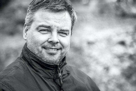 Morten Sæle er utdanna fotograf og journalist, og jobbar i Avisa Nordhordland som nyheitsleiar.  I spalten Vekas bilde vil han kvar veke presentera eitt av bilda sine med ei lita historie.