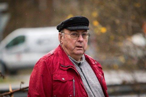 Ture Andersen er rasande på Meland kommune, som han meiner har tatt seg til rette på eigedommen hans på Holme og øydelagd gamle grøfter.