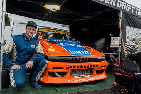 Christian Bakkerud frå Frekhaug er klar for ein av dei aller største konkurransane i drifting, Gymkhana Grid i Johannesburg. Christian set seg bak rattet 1. desember.