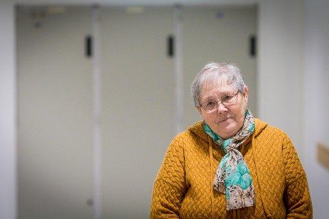 Laila Rossland fortvilar over dei planlagte budsjettkutta i Meland og rasar mot politikarane som reiser vekk når kommunen har så dårleg råd.