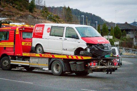 To bilar kolliderte i Fossekrysset i Meland.