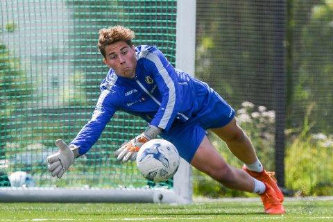 Keepertalentet Jacob Tredal skal kjempa om plassen i Asker-målet den kommande sesongen.