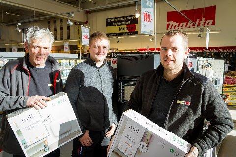 Monter-gjengen: f.v. Robert Hopland, Christoffer Antonsen og Andre Lie (butikksjef).