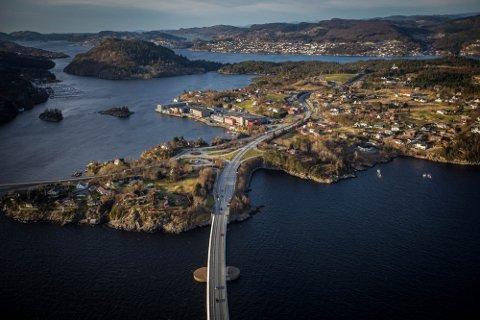 Flatøy, Alversund og Litle-Bergen.