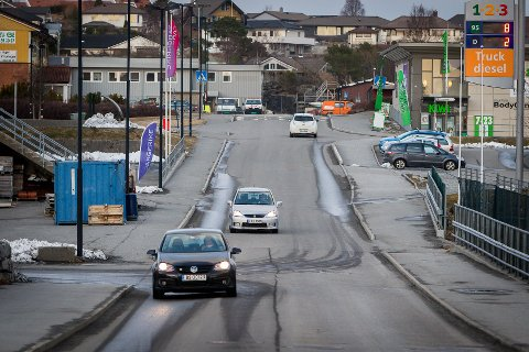 Lindås kommune skal bruka store summar på Knarvik sentrum dei neste åra. Det er sett av 28 millionar i 2019. Blant arbeidet som skal gjerast den neste tida er å seinka Kvassnesvegen ned, så den kjem på nivå med det nye Helsehuset.