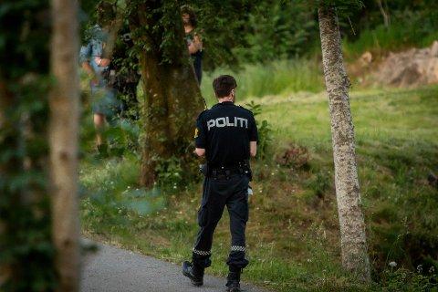 Ein person skal ha blitt slått medvitslaus i Badeviken på Frekhaug.