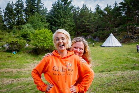SOMMARLEIR: Madeleine Bratshaug og Aina Hopland arrangerer OGIcamp for tredje året på rad. – Vi gler oss til å lage ei kjekk veke, seier Hopland.