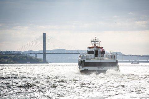 MS Fjordkatt i rute.