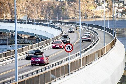 Statistikken syner at trafikken over Nordhordlandsbrua har auka dei siste månadane.