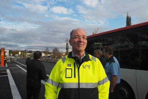 Vy-avdelingsleiar i Nordhordland, Pål Presttun, under opninga av nye Knarvik terminal