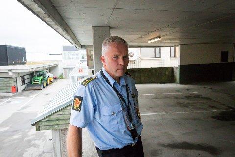 Da politiet natt til tirsdag rykket ut til Juvikstølen i Knarvik, var det ingen aktuell bil å finne, ifølge Ivar Holmaas.