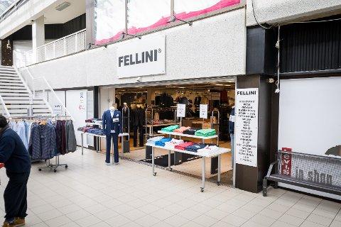 Klesbutikken Fellini held til i Promenaden i Knarvik senter. Til hausten flyttar dei opp ein etasje når Normal opnar ny butikk og tek over deira gamle lokale.