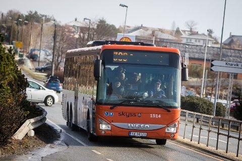 Kollektivtrafikken i heile Vestland blei sterkt prega av koronarestriksjonane som prega fjoråret.
