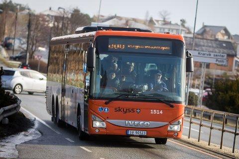 I sommar bør du kanskje sjekke bussruten ein gong ekstra.