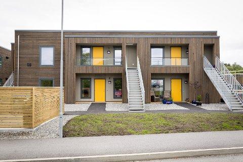 Dei nye husa i Mjåtveitkollen i Meland.