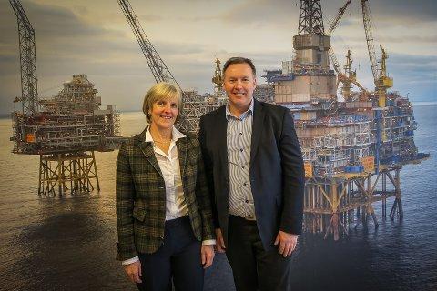 Industrikonsernet Wergelandgruppa i Gulen har no vorte medeigar i innovasjonsselskapet Industriutvikling Vest (IUV). Konsernsjef Irene Kjelby Wergeland i Wergelandgruppa går inn som styremedlem i IUV. Her saman med dagleg leiar i IUV, Børge Brundtland.