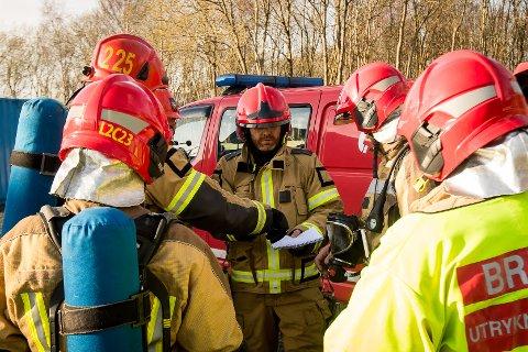 Jan Tore Kolås. Brannøving i det nye treningsanlegget til Equinor Mongstad. Mannskap frå Nordhordland brann og redning.