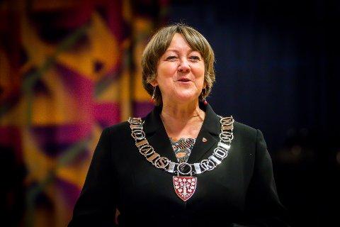 I årets valgkamp sier vi nei til: Hets, mobbing, trakassering, skjellsord og personangrep., skriv Lindås-ordførar Astrid Aarhus Byrknes i dette innlegget.