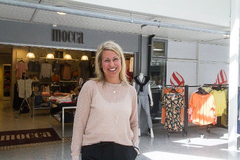 OPTIMIST: Butikksjef hos Mocca, Hilde Flataker, meiner at tida aldri har vore betre til å starte opp nettbutikk.