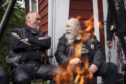 Veteran med skjegg: Svein Ebbesvik (t.h.) starta å køyre motorsykkel i 66'. – Eller, det var då eg byrja lovleg!