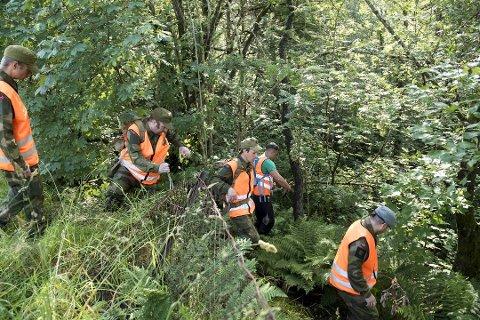 Heimevernets avdeling HV9 søkte i Åstveitskogen fredag formiddag.