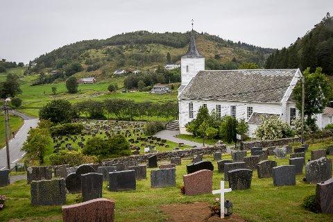 Alver si festeavgift er nesten på same nivå som i Bergen kommune. Her er foto av Meland kyrkjegard.