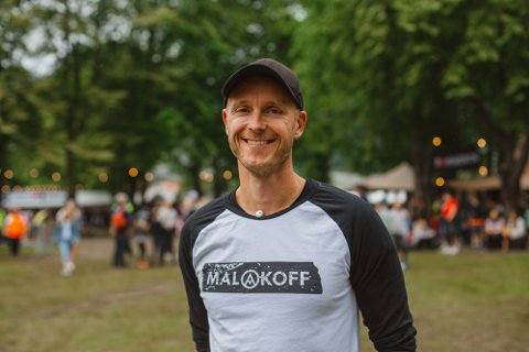 STOLT FESTIVALSJEF: Festivalsjef Arnt-Ivar Naustdal er stolt av både publikum og arrangørar etter årets Malakoff-festival.