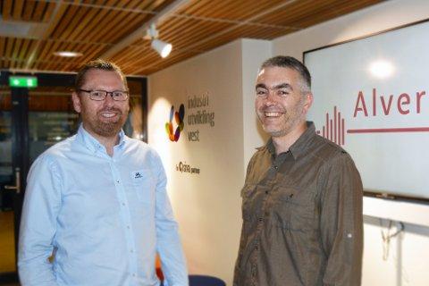 Roger Sundt (t.v.) og Øystein Skiftesvik har oppretta selskapet Alver IT.