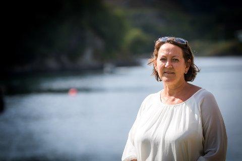 Lindås-ordførar Astrid Aarhus Byrknes (KrF) innser at ho må gje seg etter tolv år som ordførar. – Eg kjenner ikkje på noko nederlag og vil stå på for innbyggjarane i Alver uansett kva verv eg endar opp med, seier ho.