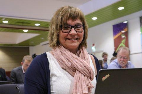 FRAMLEIS I FRONT: Gunn Åmdal Mongstad frå Senterpartiet er valt inn i kommunestyret i Solund igjen. Senterpartiet har åtte av 15 mandat.